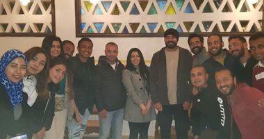 أبطال ختم النمر يحتفلون بانتهاء التصوير - اليوم السابع
