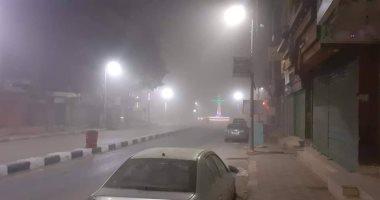 صور عواصف ترابية تضرب الوادي الجديد وغلق 3 طرق سريعة ورفع حالة الطوارئ -