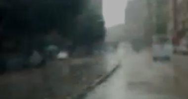 قارئ يشارك بفيديو لتساقط الأمطار فى شارع السودان بالجيزة