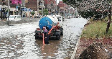 تمركز سيارات شفط المياه بشوارع القاهرة لمواجهة الأمطار المتوقعة