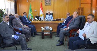 محافظ الإسماعيلية يلتقى نواب البرلمان لبحث الإجراءات الاحترازية لمواجهة كورونا