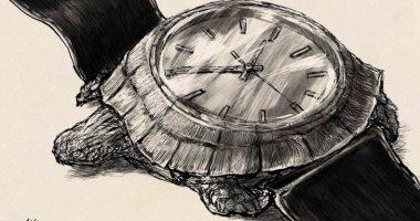 """كاريكاتير صحيفة سعودية.. سباق البحث عن لقاح لـ""""كورونا"""" بسرعة السلحفاة"""