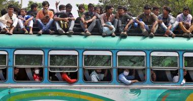زحام فى وسائل النقل ومراكز الخدمات فى الهند بسبب وقف الرحلات وحظر التجوال