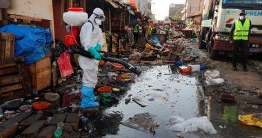 حملات تطهير وتعقيم شوارع السنغال للحد من تفشى فيروس كورونا