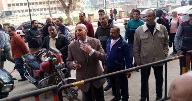 """وكيل """"صحة الشرقية"""" يقود حملة لتوعية المواطنين أثناء صرف المرتبات من ماكينات الصرف"""
