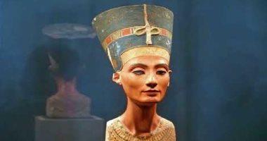 """100 منحوتة عالمية.. """"نفرتيتى"""" إبداع مصرى قديم لا يقاوم"""