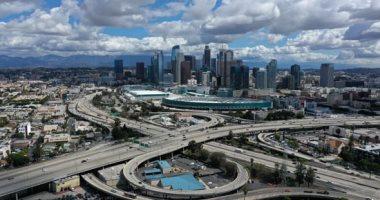 بسبب كورونا..  شوارع لوس أنجلوس أشهر مدن أمريكا خالية من الناس