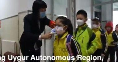 """""""زهور تتفتح من جديد"""" عودة الأطفال للمدارس في شينجيانج مع تراجع  كورونا.. فيديو"""