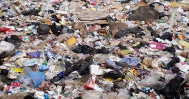 القمامة تحيط بعزبة زايد.. شكوى الأهالى بمركز الباجور فى المنوفية
