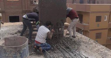 صور.. إزالات فورية فى المهد لـ5 حالات أبنية مخالفة بأخميم وحى شرق سوهاج