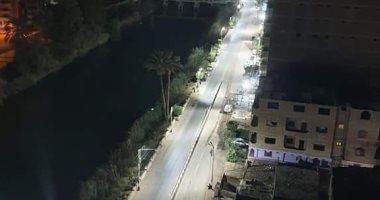 من البلكونة.. قارئ يسجل الساعات الأولى من حظر التجوال فى مركز البلينا بسوهاج