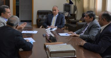 جامعة الزقازيق تناقش الإجراءات الوقائية بالمستشفيات الجامعية لمكافحة كورونا