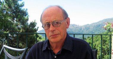 ما السبب وراء تعلم الكاتب الإيطالى أنطونيو تابوكى اللغة البرتغالية؟