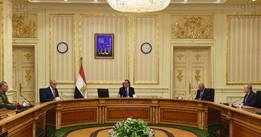 رئيس الوزراء يتابع إجراءات السلامة لعاملى قطاع الإنشاءات ومواجهة فيروس كورونا