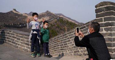 فتح السور الصين العظيم وجيش التراكوتا للزوار بعد إغلاقهما لأسابيع بسبب كورونا.. صور وفيديو