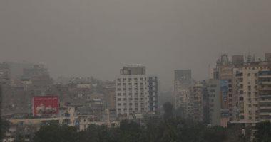صور.. رياح مثيرة للرمال والأتربة فى أغلب الأنحاء تمتد لسماء القاهرة والجيزة