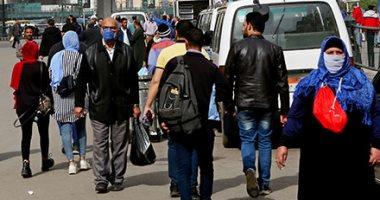 مواطنون يتسابقون للعودة إلى منازلهم قبل ساعات الحظر فى رمسيس