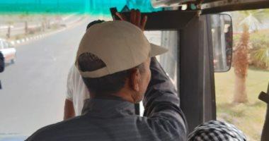 """رغم تحذيرات """"كورونا"""".. زحام بوسائل النقل فى مدينة أسوان الجديدة.. صور"""