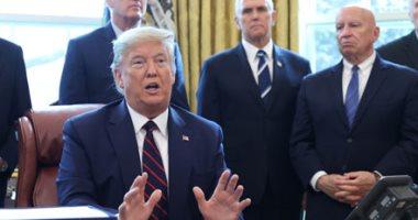 """ترامب يوقع مشروع قانون لتقديم حزمة مساعدات لمواجهة كورونا بـ""""تريليونى دولار"""""""