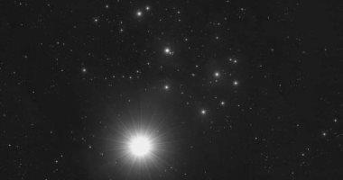 كوكب الزهرة فى اقتران استثنائى مع عنقود نجوم الثريا غدا.. الأفضل خلال القرن الـ21