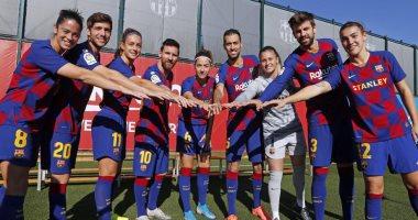لاعبو برشلونة يوافقون على تخفيض 70% من رواتبهم 30 يوما
