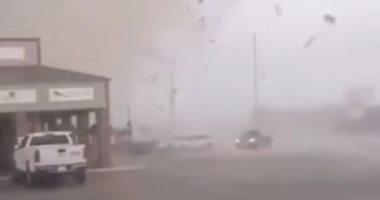 لحظة اجتياح إعصار مدينة جونزبورو فى أمريكا.. فيديو