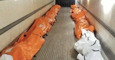 شاحنة ممتلئة بجثث ضحايا كورونا فى نيويورك
