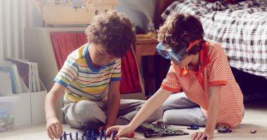 هل من الآمن أن يخرج طفلك للعب مع أطفال الجيران في ظل وباء كورونا ؟