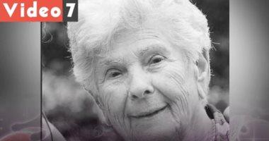مسنة مصابة بكورونا تضحى بنفسها لإنقاذ شاب: لقد عشت حياتى.. فيديو