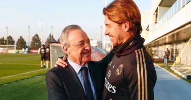 ريال مدريد يدرس تخفيض أجور اللاعبين بنسبة 20% بسبب كورونا