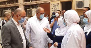صور.. فرز حالات الاشتباه بفيروس كورونا المستجد بمستشفي بنى سويف الجامعى