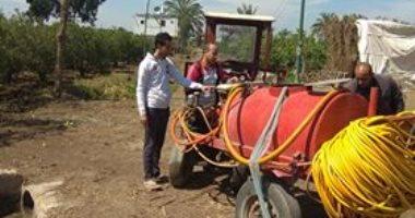 شباب قرية خمارة يتطوعون لتطهير القرية بالجهود الذاتية