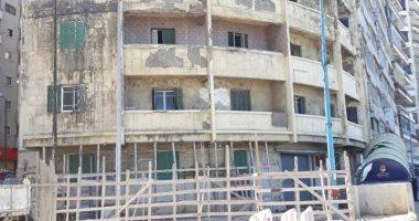 تساقط أجزاء خرسانية من عقار شرق الإسكندرية بدون إصابات