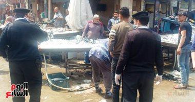 فيديو.. أمن دمياط يتدخل لتنظيم الزحام والتكدس بسوق السمك