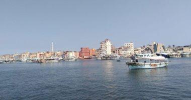 نشاط فى حركة الصيد بسواحل دمياط بعد توقف 3 اسابيع