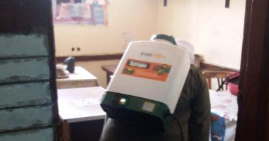 تعقيم مكاتب الموظفين بديوان حي ثاني الزقازيق لمواجهة كورونا