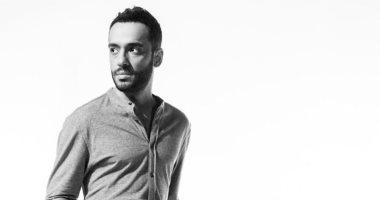 رامى جمال يخير جمهوره بين 4 أغنيات جديدة: عاوزينها دراما ولا مبهجة وبترقص