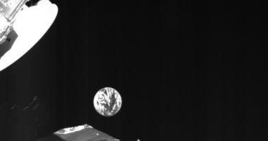شاهد مسبار عطارد يلتقط صورًا جديدة لكوكب الأرض خلال الدوران حوله