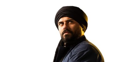 """أحمد صلاح حسنى يهنئ ياسر جلال على """"الفتوة"""": مبروك يا فتوة الجمالية"""