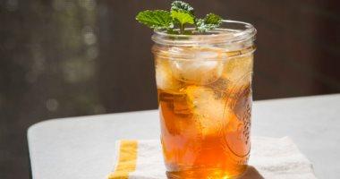 لو وحشتك مشروبات الكافيهات.. 5 طرق منعشة لتحضير الشاى المثلج
