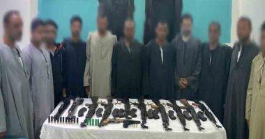 ضبط 19 شخصا بحوزتهم 20 قطعة سلاح نارى وذخائر غير مرخصة فى أسيوط