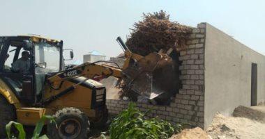 إزالة 614 حالة تعدٍ على الأرضى الزراعية بالشرقية