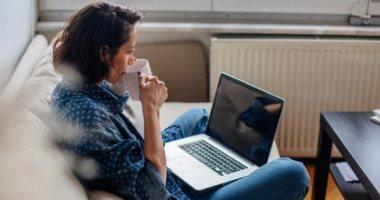 5 طرق للتخلص من التوتر أثناء العمل من المنزل.. الزيوت العطرية أبرزها