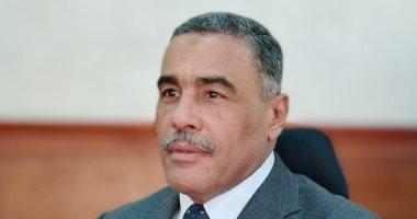 محافظ مطروح يطالب أصحاب الفنادق والقرى السياحية بعدم منع المايوه الشرعى