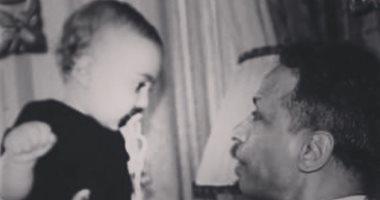 ياسين السقا يعبر عن اشتياقه لزيارة جده محمد الصغير بصورتين من زمن ما قبل العزل