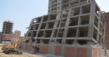 محافظ القليوبية: إزالة برجين ببنها و31 حالة بالخانكة خلال حملات الإزالات
