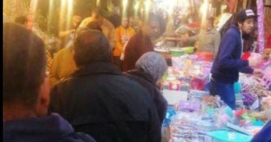 خوفا من انتشار الكورونا.. شكوى من ازدحام سوق بمنطقة المنشية فى الإسكندرية