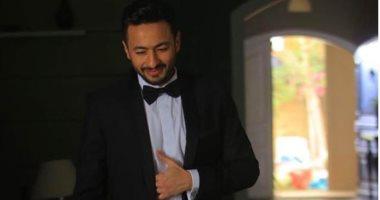 """حجب كليب حمادة هلال مع منة عرفة """"يا جمالها"""" على يوتيوب اعرف السبب"""