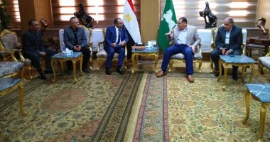 """رئيس شركة غاز """"القاهرة"""" يناقش التوسيع فى التوصيلات بالشرقية"""