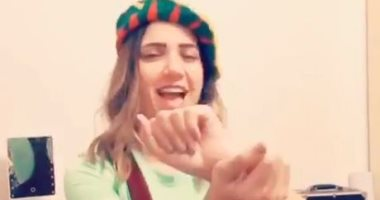 الحظر وأيامه .. إيمى طلعت زكريا ترقص على مهرجان شعبي